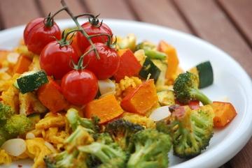 Rezept Kürbis-Spätzle mit Sommergemüse und Mandeln