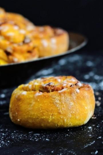Rezept Kürbis-Zimtschnecken mit Pekanussfüllung