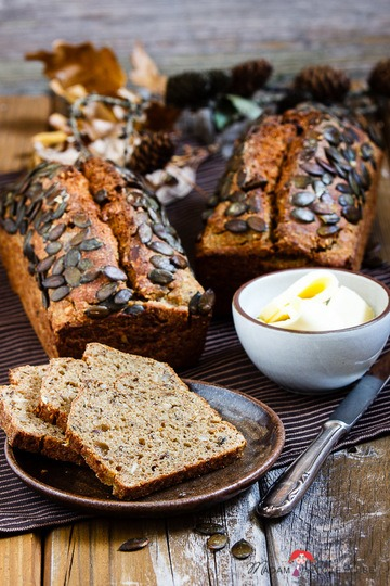 Rezept Kürbisbrot mit Buttermich & Saaten