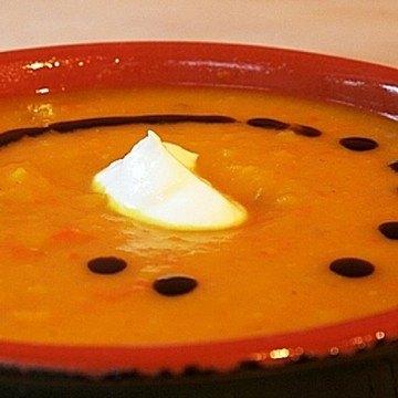 Rezept Kürbissuppe mit Kartoffeln, Apfel und Ingwer