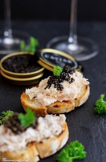 Rezept Lachs- und Thunfisch-Crostini mit Kaviar