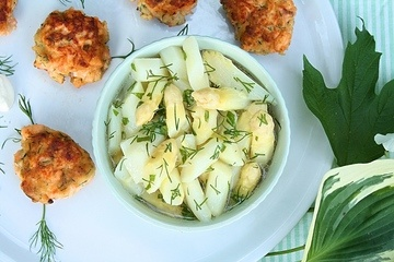 Rezept Lachsbuletten mit Spargelsalat