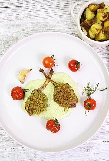 Rezept Lammchops mit Kräuterkruste, Sauce Bearnaise und Röstkartoffeln