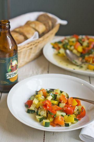Rezept  Lauwarmer Paprika-Zucchini-Salat