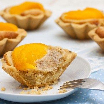 Rezept Lavendel-Marzipan-Tartelettes mit Pfirsich