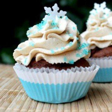 Rezept Lebkuchencupcakes mit pflaumigem Kern und Zimt-Mascarpone-Topping