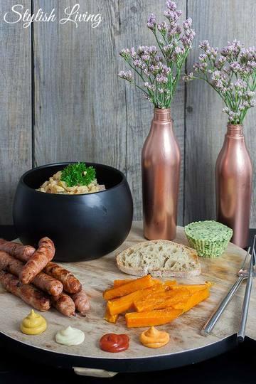 Rezept Leckere Grillrezepte - Nudelsalat, Bärlauchbutter und Süßkartoffel-Pommes