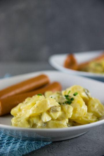 Rezept Leichter (norddeutscher) Kartoffelsalat mit Würstchen