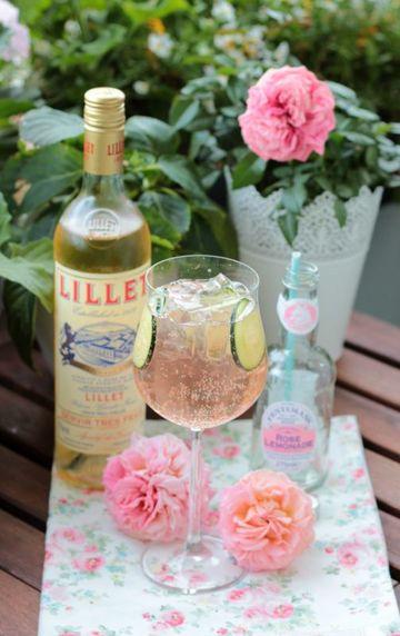 Rezept Lillet-Waldbeeren Charlotte und eine kleine Lillet Cocktailparty mit 5 Rezepten