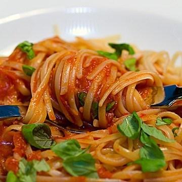Rezept Linguine con un sugo di verdura fritta