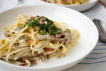 Rezept Linguine mit Austernpilzen, Parmaschinken und frischem Salbei