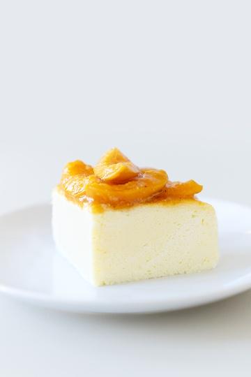 Rezept Luftiger Käsekuchen mit karamellisierten Aprikosen