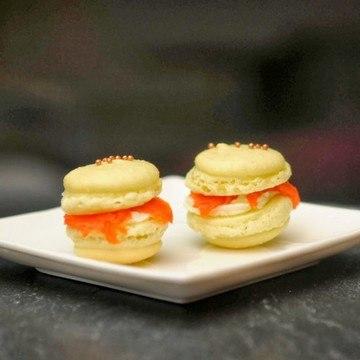 Rezept Macarons mit Lachs-Frischkäse-Meerrettich-Schaum