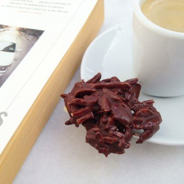 Rezept Mandel-Berge mit Zartbitterschokolade und Fleur de Sel