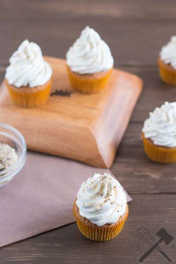 Rezept Mandel Cupcakes mit Sahnetopping