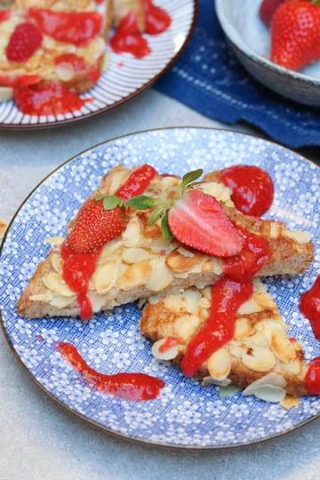 Rezept Mandel-French-Toast mit Erdbeersauce