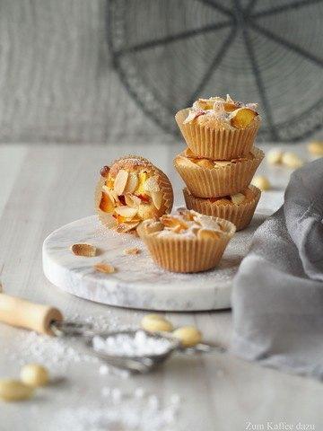 Rezept Mandelige Baileys-Muffins mit Nektarine
