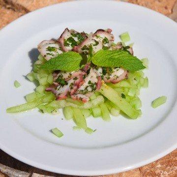 Rezept Marinierter Oktopus auf Gurken & Melonensalat