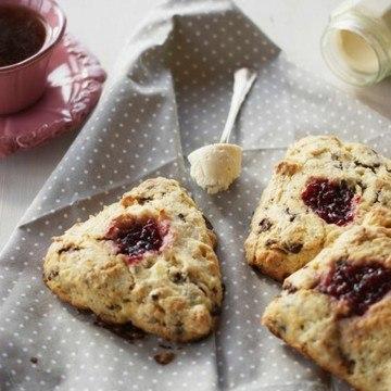 Rezept Marzipan-Schoko-Scones mit Marmelade