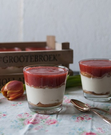 Rezept Mascarponecreme mit Erdbeer-Rhabarber Kompott