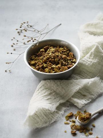 Rezept Matcha-Granola mit Honig und Mandeln