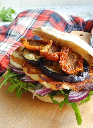 Rezept Mediterraner Halloumi-Burger
