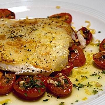 Rezept Mediterraner Kabeljau mit Kartoffelkruste und konfierten Tomaten