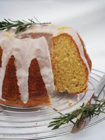 Rezept Mediterraner Zitronenkuchen mit Rosmarin und Olivenöl