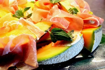 Rezept Melone mit Rohschinken und Parmesan