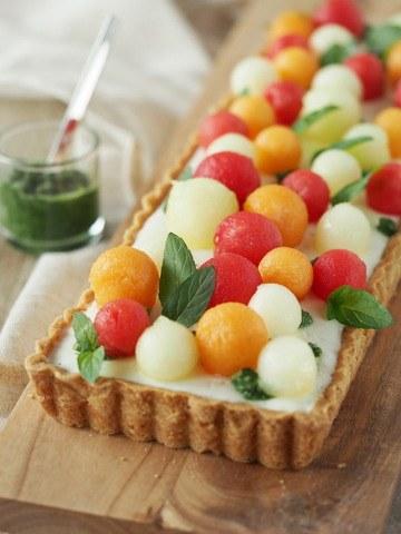 Rezept Melonen-Buttermilch-Tarte mit süßem Minz-Pesto