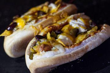 Rezept Mexidogs: Hot Dogs mit Jalapenos, Cheddar und Salsa