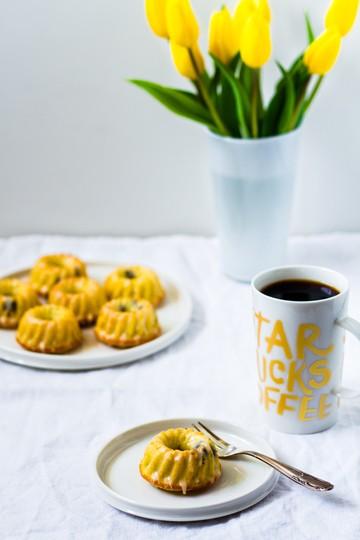 Rezept Mini Eierlikör-Gugelhupfe mit Amarenakirschen