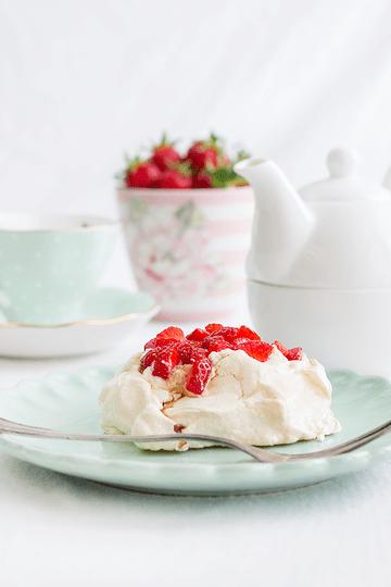 Rezept Mini-Pavlovas mit Erdbeeren