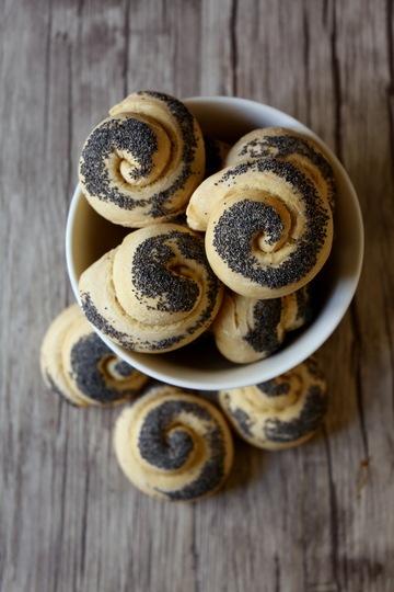 Rezept Mohnkringel (Sonntagsbrötchen)