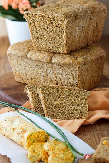 Rezept Möhren-Dinkel-Toastbrot mit Möhren-Schnittlauchbutter