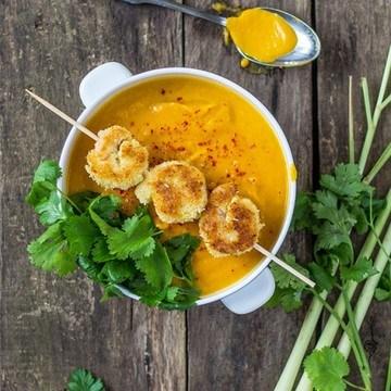 Rezept Möhren-Zitronengras-Suppe mit Kokosgarnelen
