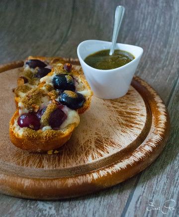 Rezept Montaditos mit Schafskäse & Kirschen