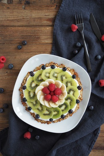 Rezept Müslipizza mit Skyr und Obst