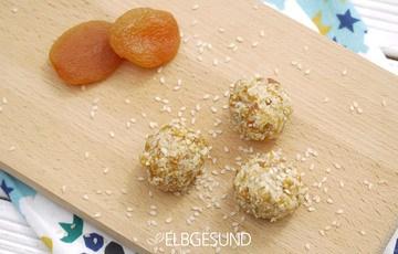 Rezept New Energyballs – mit Aprikosen, Sesam und Cashews