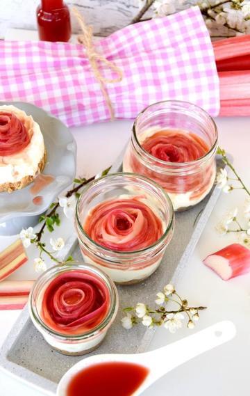 Rezept No Bake Rhabarber Cheesecake im Glas / Käsekuchen ohne Backen