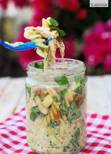 Rezept Nudel-Grillhähnchen-Salat