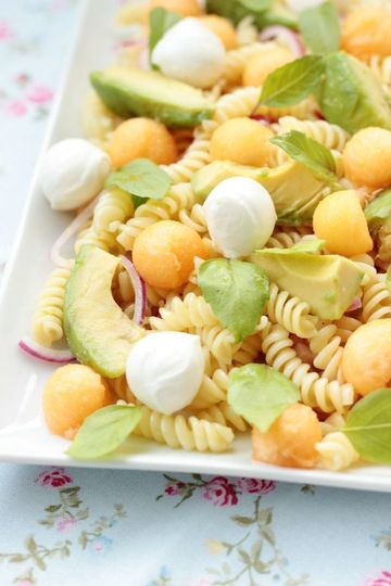 Rezept Nudelsalat mit Melone,Avocado und Mozzarella