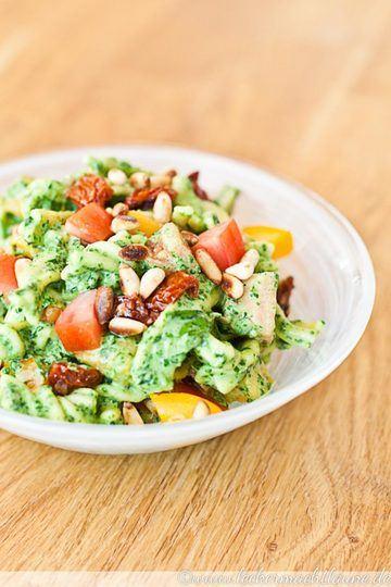 Rezept Nudelsalat mit Spinat und Tomaten