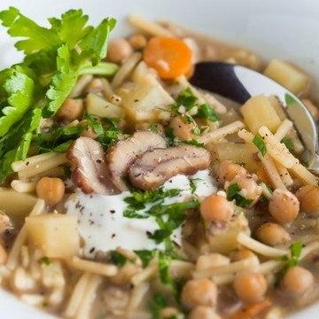 Rezept Nudelsuppe mit Maronen, Kichererbsen und Kartoffeln