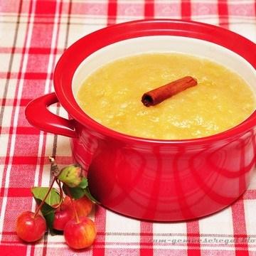 Rezept Oma's Apfelmus mit frischen Kartoffelpuffern
