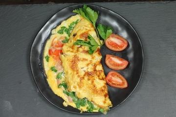 Rezept Omelette mit Schinken, Käse und Tomaten
