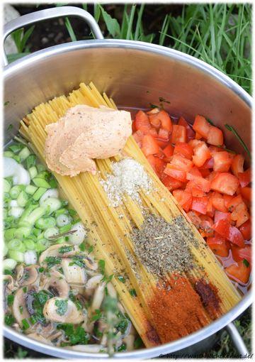 Rezept One Pot Pasta – Variation mit Champignons und Frühlingszwiebeln