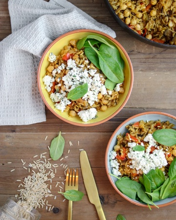 Rezept One-Pot Reispfanne mit Aubergine, Kichererbsen & Feta