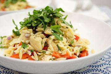 Rezept Orzo mit Thunfisch, Artischocken, Petersilie und Minze