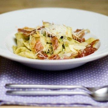 Rezept Pappardelle mit Mandel-Nuss-Pesto